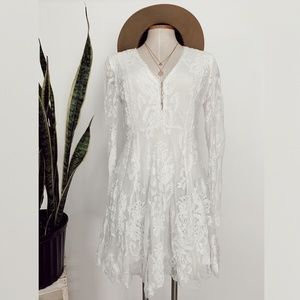 • FREE PEOPLE • white lace long sleeve dress